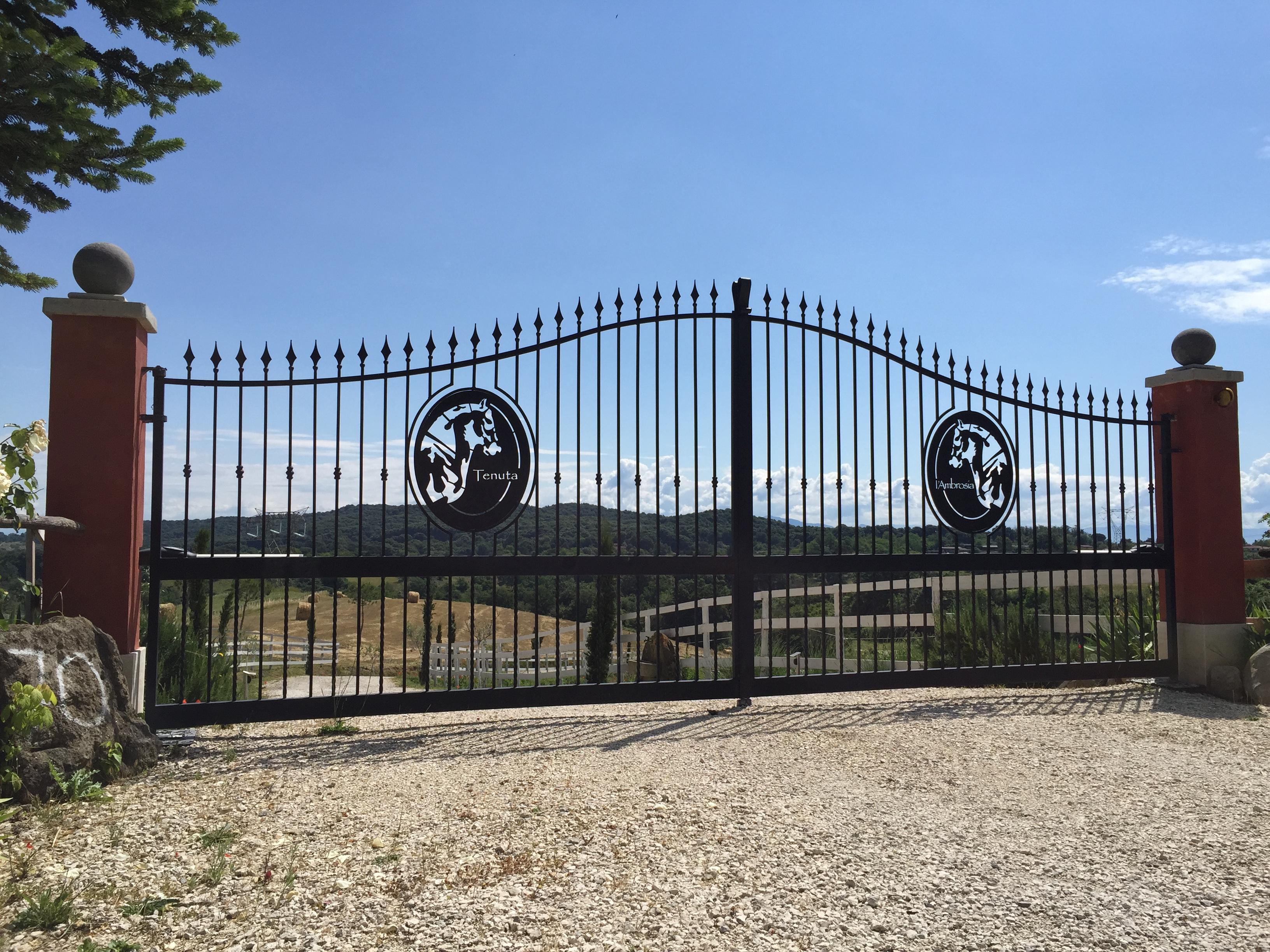 foto-cancello-tenuta-definitivo